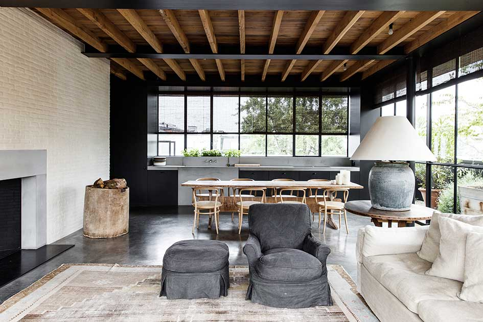 Laid Back Luxe - How to mix Modern Architecture with Traditional Interiors